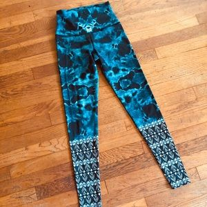 Onzie XS tribal leggings